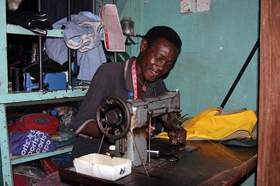 Fotoalbum von Malindi.info - Malindi-Gesichter 2005[ Foto 39 von 76 ]