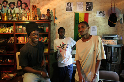 Fotoalbum von Malindi.info - Malindi-Gesichter 2005[ Foto 44 von 76 ]